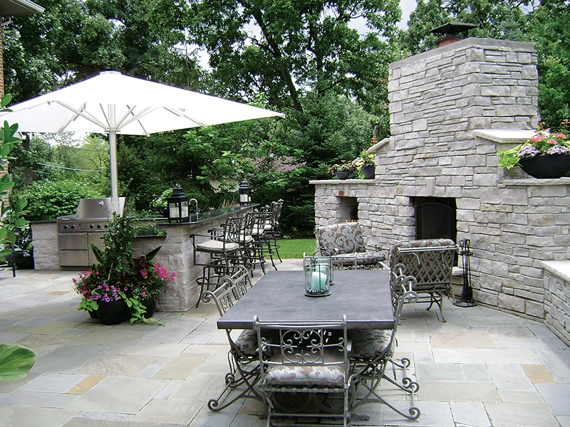 Outdoor Kitchens and Fireplaces - Bertrand Landscape